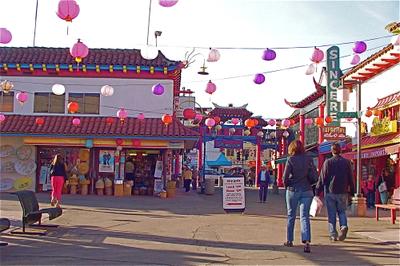 Chinatown_stroll